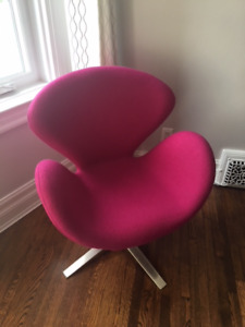 Occasional swivel chair