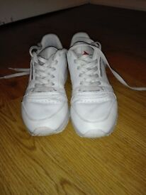 Reebok white trainers - size 6 (39) in very good condition