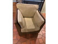 Fantastic Conservatory/Lounge set Rattan, Sofa, 2x Armchairs and Glass topped table
