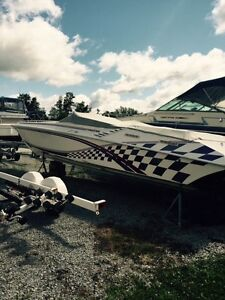 WTB Triaxle Stepped Hull Boat Trailer for 35' Fountain