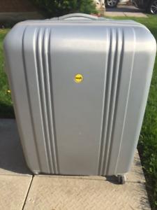 4 Wheel Spinner Suitcase