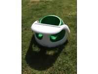 Mamas and Papas Baby Snug- Green. Ideal for weaning. Removable feeding tray. Great condition.