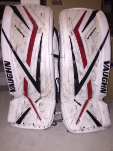 "Vaughn Vision 9200 Jr. Goalie Pad (25+1"")"
