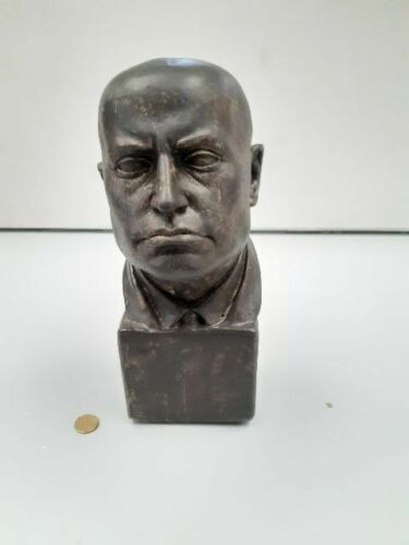 Mussolini bust In marble powder and ceranic toilet - Benito Mussolini - Italian