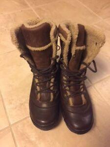 Timberland Womens Leather winter boots - Size 10M - Like new