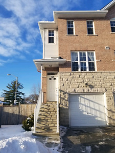 Baseline & Clyde End townhouse 3 bed 3 full bathrooms