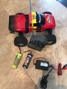 Traxxas Stampede Remote Control Truck - Plus 2 extra batteries