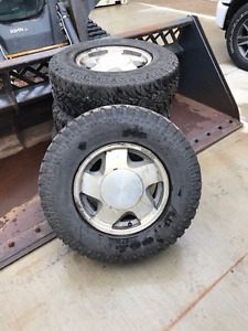 Chevrolet rims and 245 75 R16 tires