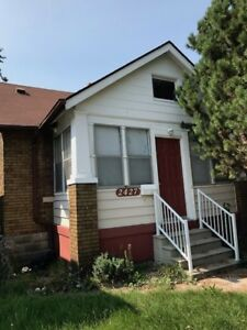 2 BDRM 1 BATH HOUSE 2427 Howard $950+++