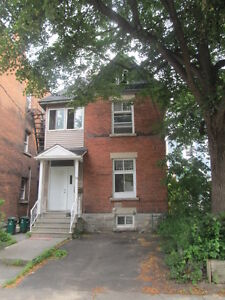 5-bedroom house in glebe area avail. on Aug.01 or Sept. 01