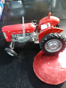 REDUCED - Diecast - 1:16 -  Tractors Like New London Ontario image 2