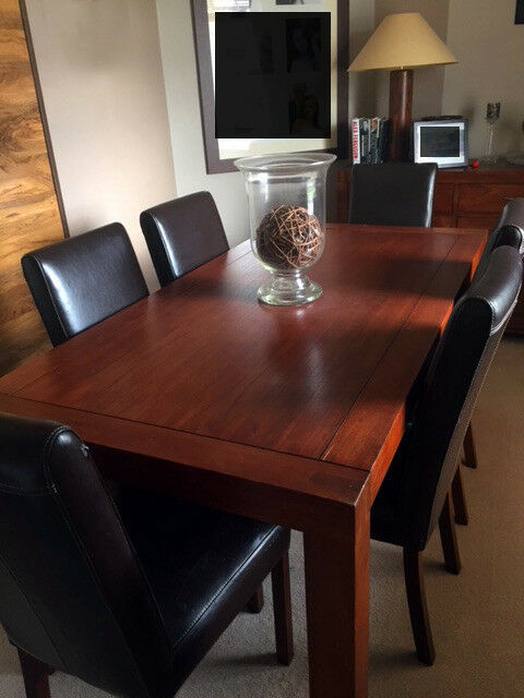DINING TABLE AND SIX CHAIRS CONTEMPORARY DESIGN LARGE