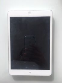 IPAD MINI 2013 - EXCELLENT CONDITION WITH FASHION SKIN