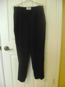 JOSEPH RIBKOFF BLACK PANTS