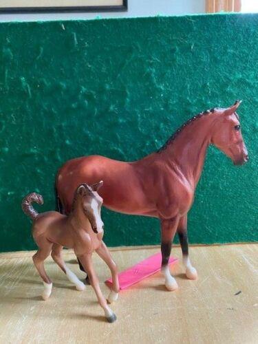 Breyer Classic Jet Run Warmblood and Chestnut Foal Set #62033 Lot 1
