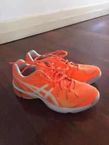 Women's ASICS Gel-Academy 6 Netball Shoes size 9.5 Annerley Brisbane South West Preview