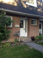 3 Bedroom Townhouse for rent in Burlington & single house MTHope