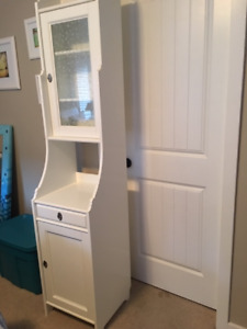 White bathroom cabinet in excellent condition!  $100