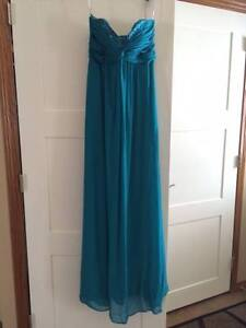 Beautiful Teal Grad/Brides Maid Dress - Floor Length Size 4-6