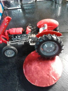 REDUCED - Diecast - 1:16 -  Tractors Like New London Ontario image 1