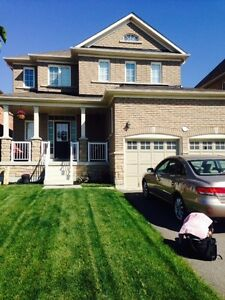 DETACHED 4 BDRM + 4 BATH