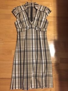 NEVER WORN Le Chateau Plaid Business Dress - Size Small