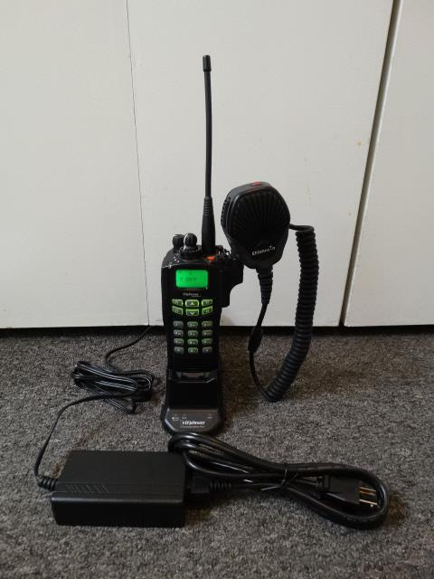 EF Johnson Ascend ES 5100 700/800 MHz FM Digital P25 Trunking Radio w/ Charger