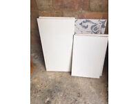 FREE: 4 white melamine shelves for 30cm deep kitchen wall units