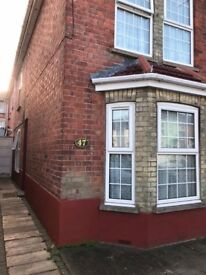 En Suite Room available in High Wycombe close to M40 and Town centre