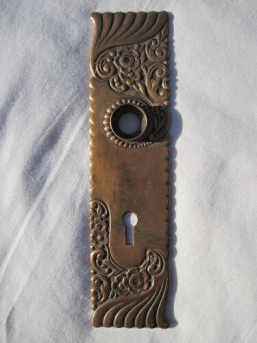 ORNATE OLD ANTIQUE BRASS ESUTCHEON DOOR PLATE