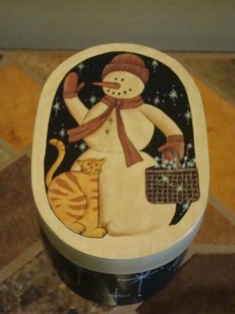 """Oval Wood/Carboard Trinket Storage Box, Snowman and Cat on Cover 4"""" deep 7"""" long"""