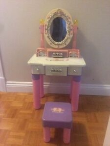 Princess kids desk with chair