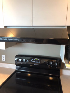 Maytag Stove in great used condition.