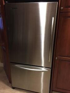 Kitchen Aid 22.5 Cu.Ft Stainless Refrigerator Bottom Freezer
