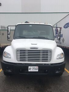2007 Freightliner M2 106 Business class Cab and Chassis 24 foot