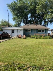Lakefront property with detached 2 bedroom bungalow