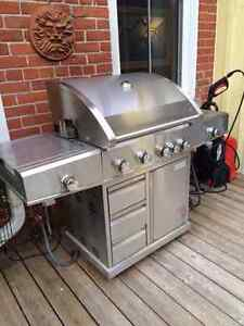 Gas bbq with 2 side burners and infrared back burner