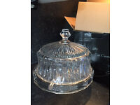 GOOD QUALITY CUT GLASS CAKE STAND