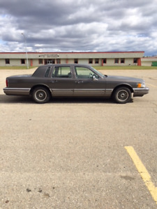 Lincoln Town Car Impeccable Condition