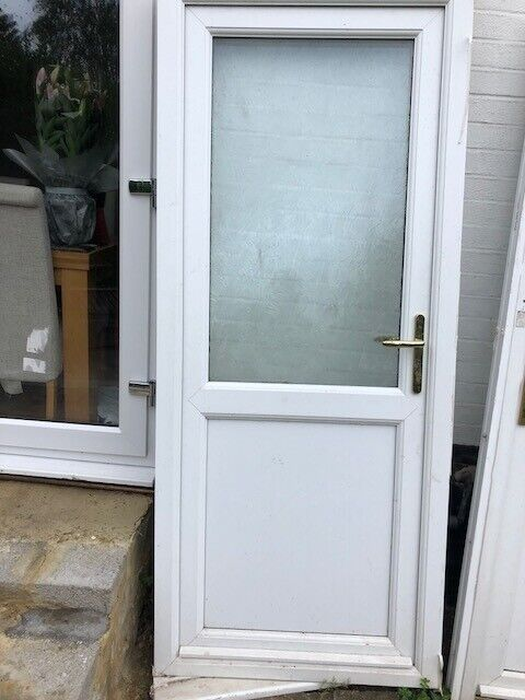 White UPVC Front or Back Door with frame and handles in good condition St  Albans Park Street | in Park Street, Hertfordshire | Gumtree