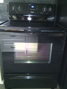 Whirlpool Convection Stove Like New