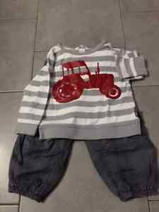 H&M 2 pc long sleeve T-shirt & lined joggers set, size 12-18M