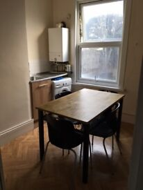 Lovely Spacious Flat Just 25 Min to Liverpool St