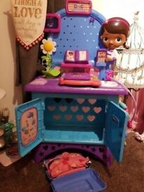 Interactive Doc mcstuffins stand and added accessories