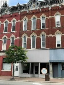 1 bedroom located on King St in Downtown Prescott