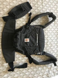 Ergobaby Adapt baby carrier in graphic grey in great condition
