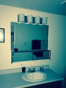 Lovely Bright 2 Bedroom Downtown for May