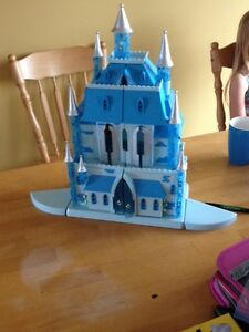 Disney Exclusive Cinderella's Castle (Light up and Sounds)