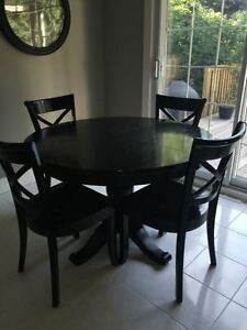 Crate & Barrel Table Avalon Extension Table & 4 Vintner Chairs