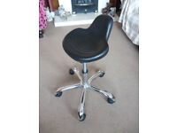 Polyurethane Laboratory Workshop Beautician Stool. Heavy Duty. Gas Lift, Chrome Swivel Base. Unused.